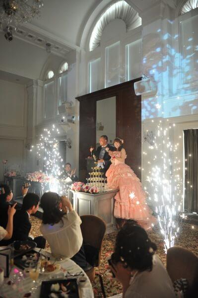 新潟県燕三条市の結婚式場 室内花火 コンサートファンタジー