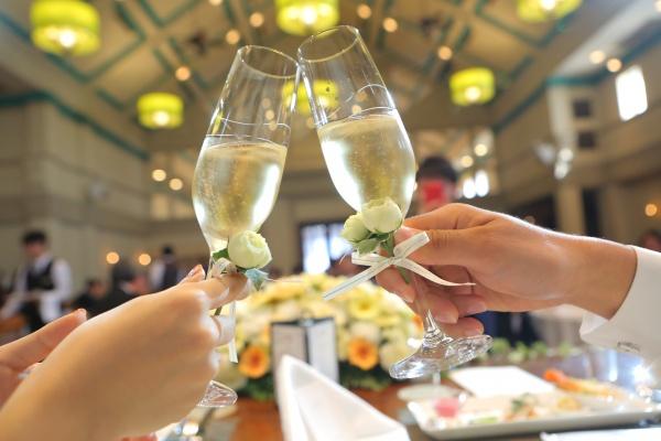 新潟県燕市 三条市 見附市 長岡市 結婚式場 乾杯 スパークリングワイン