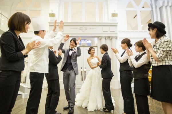 新潟県燕三条市 結婚式場 サプライズ ウェディングドレス 感動 感謝 チャペル 挙式