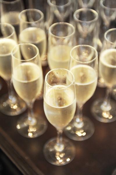 新潟県三条市の結婚式場 酒 スパークリング ワイン 乾杯