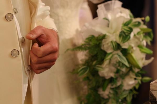 【笑顔と感動溢れる結婚式レポート】大切な家族に手伝ってもらったパパママ婚