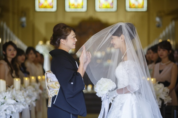 新潟市 三条市 燕市 長岡市 結婚式場 ブライダルフェア チャペル 教会 ベールダウン