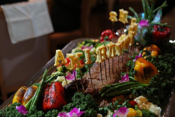 新潟県三条市 燕市 長岡市 結婚式場 ウェディングケーキ オリジナルケーキ 肉入刀