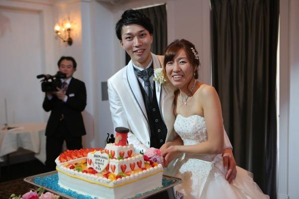 新潟県 三条市 結婚式場 ピアザデッレグラツィエ ケーキ入刀