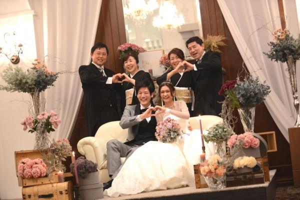 【結婚式で大切な家族と最幸の一枚を撮る秘訣!】ウェディングスタッフが教えます♪