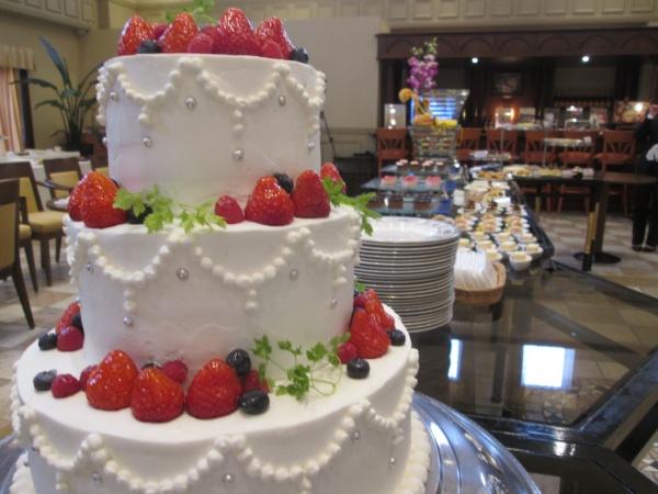 【結婚式のデザートタイムはこれで決まり!】甘い物は別腹♥ゲストのみんなが楽しめるデザートブッフェ♪