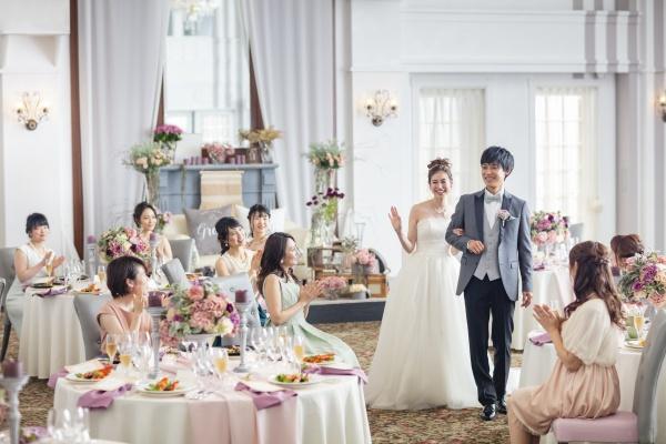 バラの花が結婚式で人気な理由ご存知ですか♪【ブライダルスタッフより豆知識のご紹介★】色によって違う意味❤