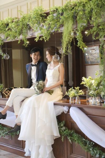 ロングスリーブ ウェディングドレス ウェディングフォト 新潟の結婚式場 ピアザデッレグラツィエ 結婚式 日取り プレ花嫁 お悩み バーカウンター