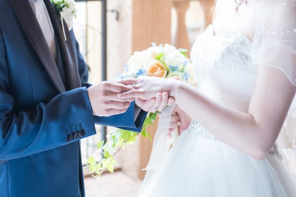 【ウェディングレポート★】出逢ったころの懐かしい想い出とともに迎えた結婚式♥ゲストと一緒に感動に包まれた時間♪