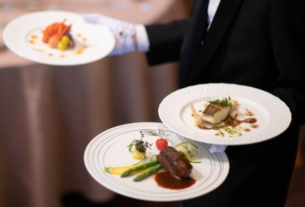 【ブライダルフェアの試食料理がグレードアップ!】名誉賞を受賞し日本一に輝いた実績あり!黒毛和牛ブランド『村上牛』登場♪