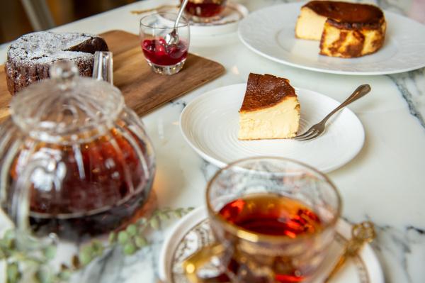 【期間限定で味わえる!濃厚な風味が大人気❤︎】結婚式場でバスクチーズケーキを販売?!◆