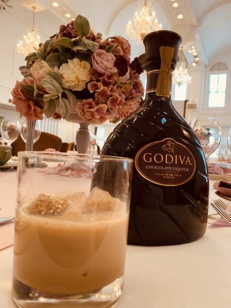 【2月と言えば!あの大人気ドリンクが登場♪】結婚式で甘くておいしい有名チョコレートのお酒を楽しもう!
