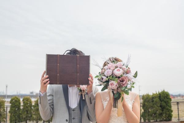 【3/25のインスタライブも大好評♪】結婚式ワード\高砂ソファ席/ゲスト目線で見るとソファ席の新郎新婦はどう見える?