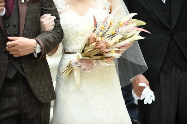 【美花嫁への一歩❤ウェディングブーケ✿】あなたは生花派?それとも造花派?
