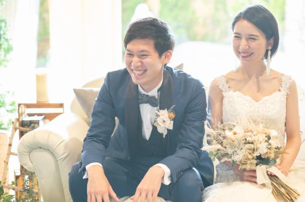 【タキシードの合わせ方とは!?】結婚式で新郎におすすめの色やコーディネートを紹介♪