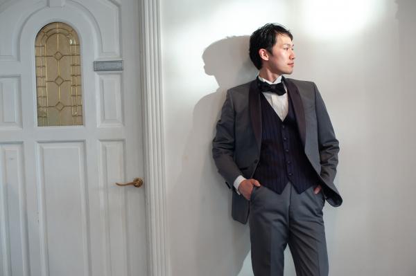 【すぐできる!新郎様のカッコイイ立ち方◆3つのポイント】結婚式では花嫁にふさわしい格好よさを手に入れよう!