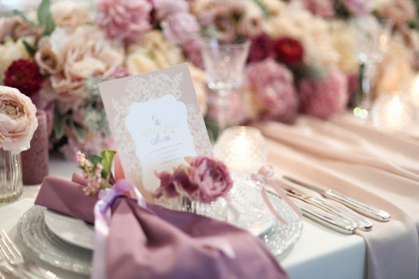 【結婚式で後回しにしてたら後悔します!】先輩花嫁さまが苦しんだ\準備がギリギリになりがちなアイテム/とは?