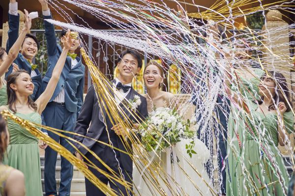 実は!結婚式場のフェア予約は【会場公式HP】からが一番お得なんです!